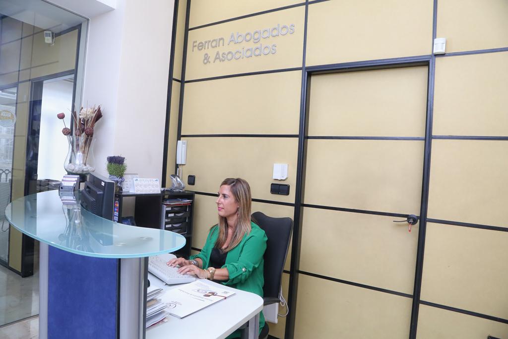 Ferran abogados oficinas for Oficina central de correos madrid